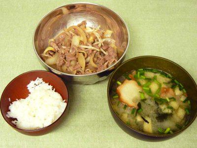 牛ばら肉の炒め物